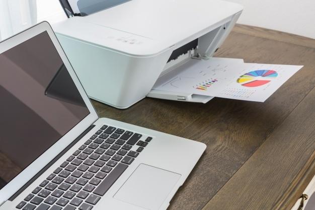 Vsestranski multifunkcijski tiskalnik za sodobno pisarno