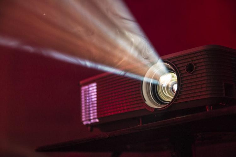projektorji
