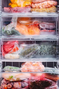Priročna plastična embalaža za živila